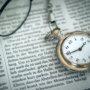 懐中時計と新聞